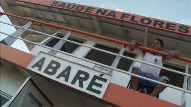 Болницата Abar? Hospital  предоставя здравни услуги за населението в повече от 70 общности край реката