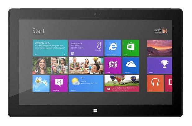Таблетът Surface компенсира в известна степен слабото търсене на персонални компютри с Windows 8